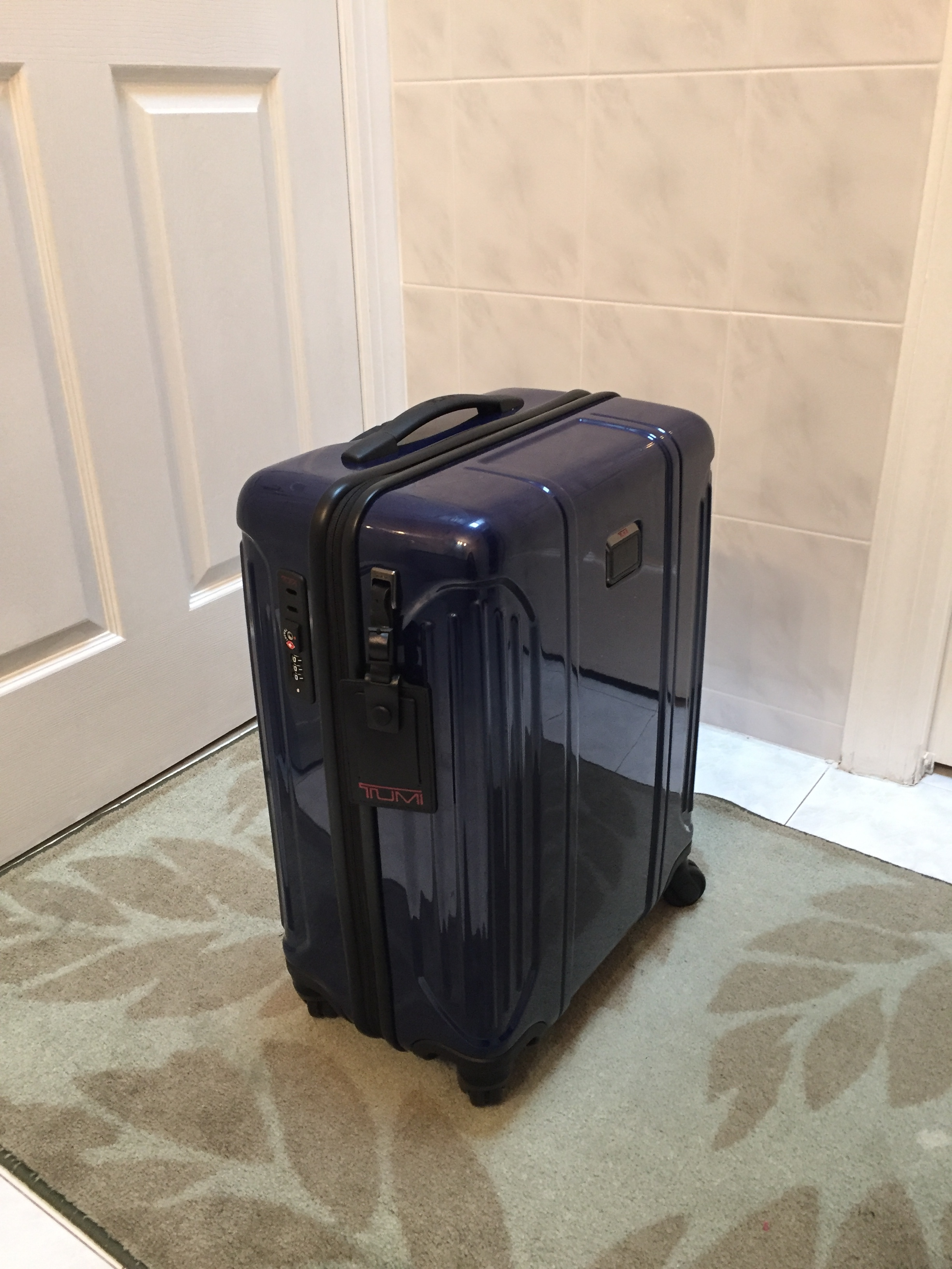 34391d241b3c Tumi Carry On Luggage Review: Is This Luxury Luggage Worth Your ...